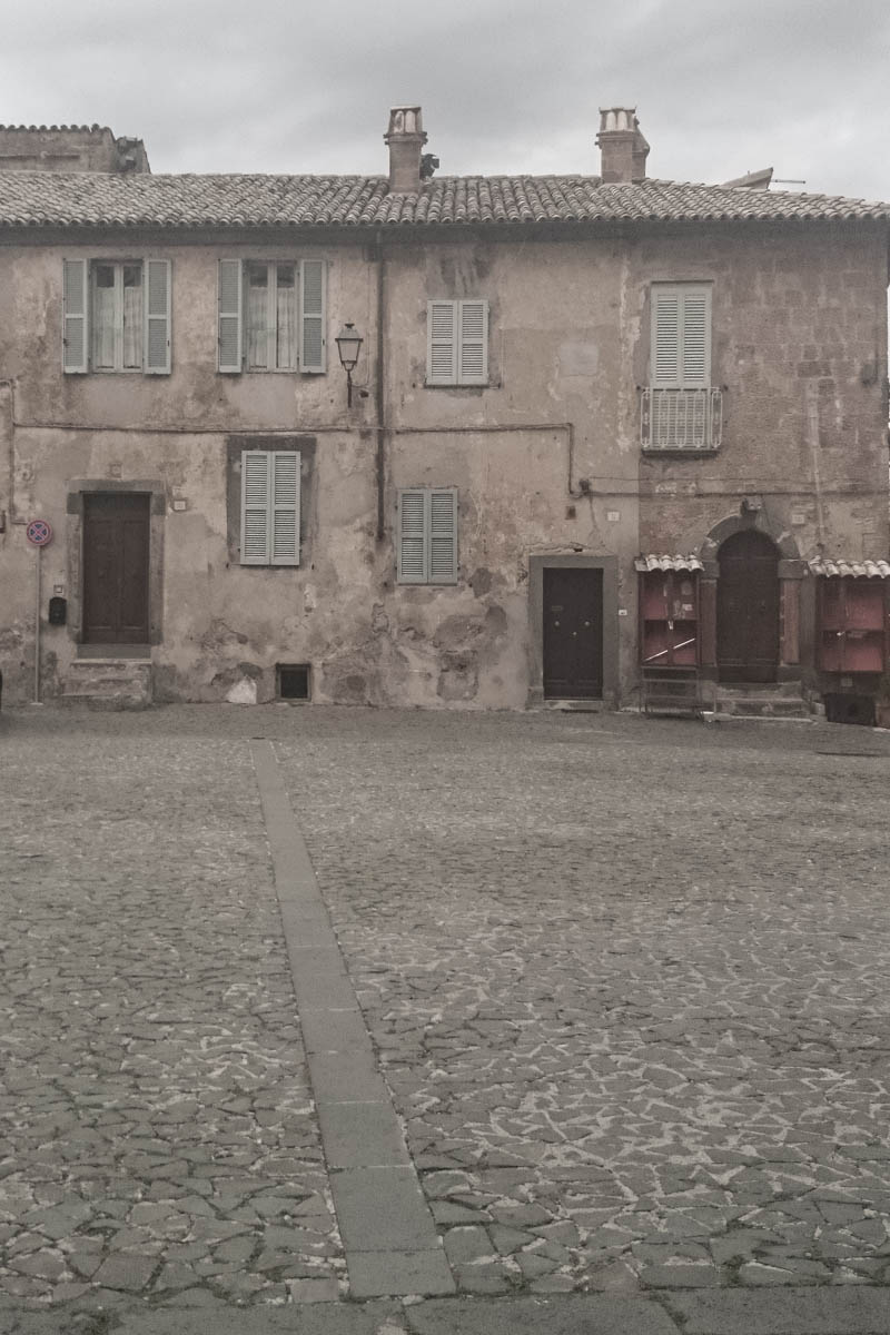 Camilla Olsson Art went to Orvieto to paint with Misty Mawn. Here is a picture of the town.